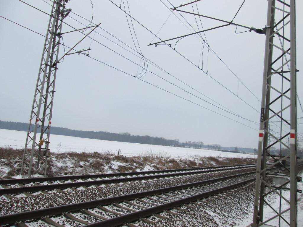 Sníh napadl, ale není ho mnoho. Opočínek 28.1.2014.
