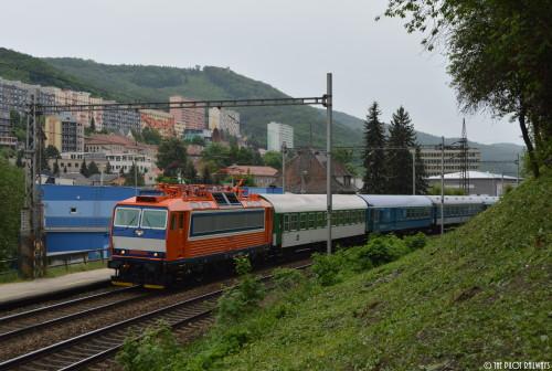 ES499.1001 na čele vlaku R 868 Špilberk Adamov 23.5.2015 / foto: © Jakub Hlávka