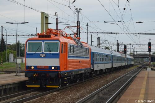 ES499.1001 na čele vlaku R 873 Slavkov Adamov 23.5.2015 / foto: © Jakub Hlávka